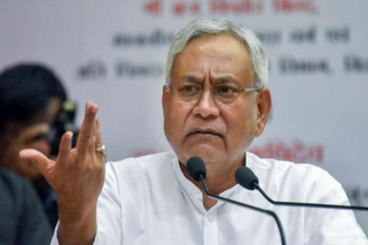 क्या नीतीश कुमार बढ़ा रहे हैं बीजेपी से दूरी? धारा 370 पर दिया यह बड़ा बयान- India TV Hindi