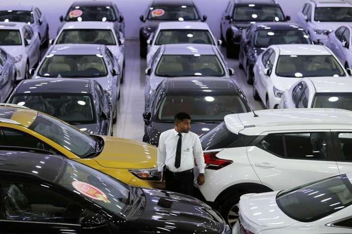 Passenger vehicle sales log steepest decline in nearly 18 years- India TV Paisa