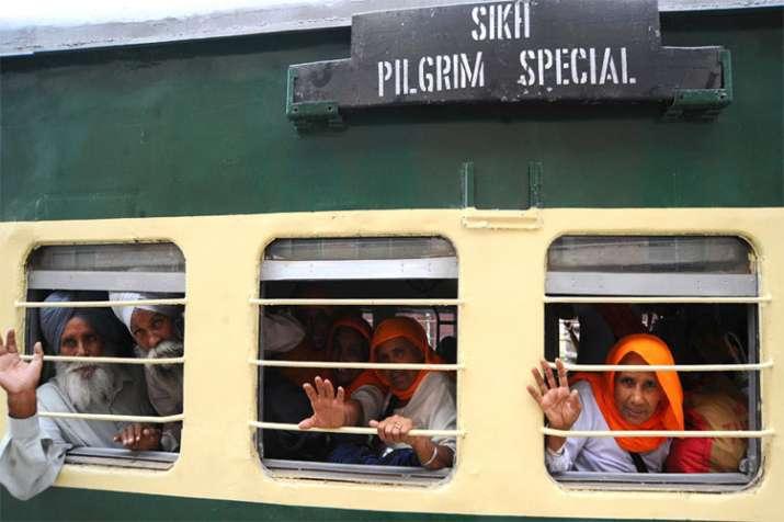 Pakistan train- India TV Hindi