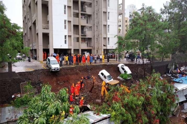 Kondhwa wall collapse- India TV Hindi