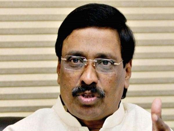 विनायक बी. राउत बने लोकसभा में शिवसेना के संसदीय दल के नेता- India TV