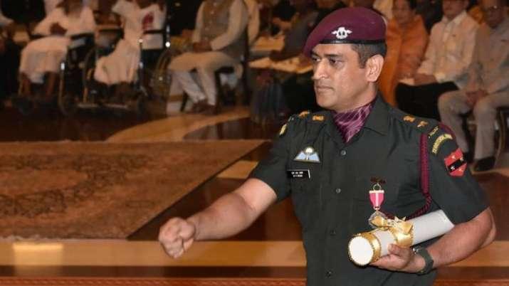 धोनी के सेना के साथ समय बिताने के फैसले की कपिल देव और गौतम गंभीर ने की तारीफ- India TV