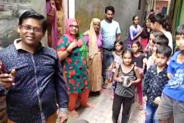 "Residents of ""Pakistan Wali Gali"" in Greater Noida- India TV Hindi"