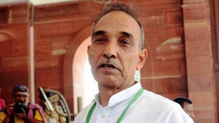 'मक्का मस्जिद हमले की जांच के दौरान एक मुख्यमंत्री ने दी थी नौकरी से हाथ धोने की धमकी'- India TV