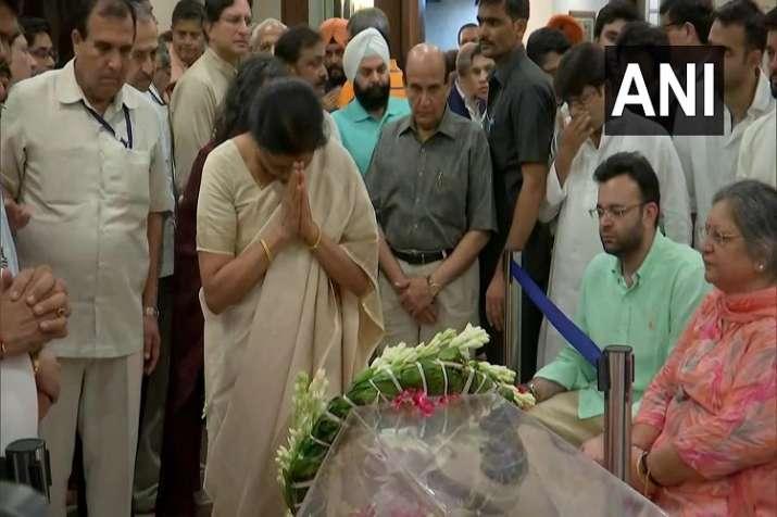 Finance Minister Nirmala Sitharaman pays tribute to former Union Finance Minister Arun Jaitley- India TV Paisa