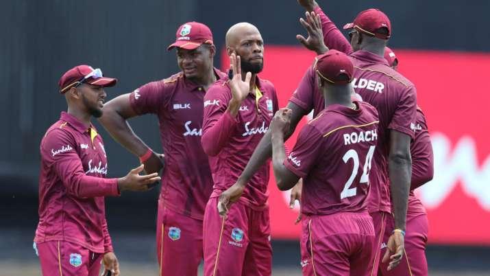 IND vs WI: हार के बाद बल्लेबाजों पर बरसे वेस्टइंडीज के कोच, क्रिस गेल को लेकर भी कही ये बड़ी बात- India TV