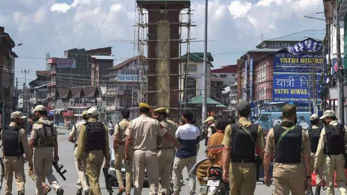 कश्मीर मामले में अमेरिका दक्षिण एशिया में संतुलित रुख रखना चाहता है: रिपोर्ट- India TV Hindi