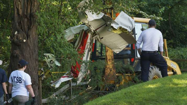 Indian-origin doctor couple, daughter killed after plane crashes behind home in Philadelphia | AP- India TV Hindi