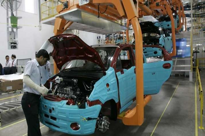 welfare group says Thousands of workers injured every year in auto factory accidents in Gurugram - India TV Paisa