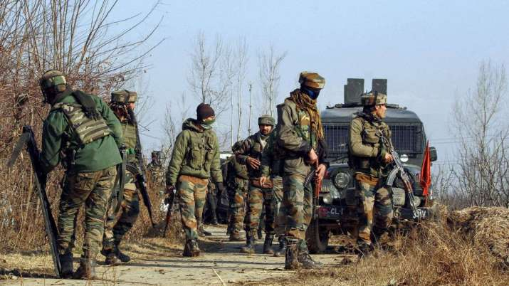 Encounter breaks out between terrorists, security forces in Shopian, IED blast in Pulwama | PTI Repr- India TV