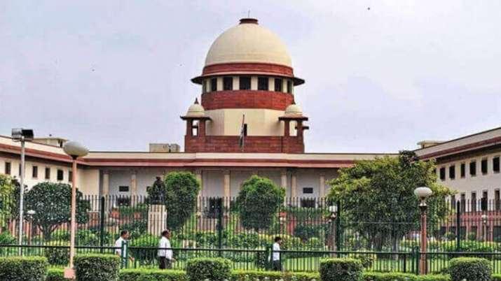 अनुच्छेद 370: जम्मू-कश्मीर में कठोर उपायों के खिलाफ याचिका पर सुप्रीम कोर्ट में आज सुनवाई- India TV