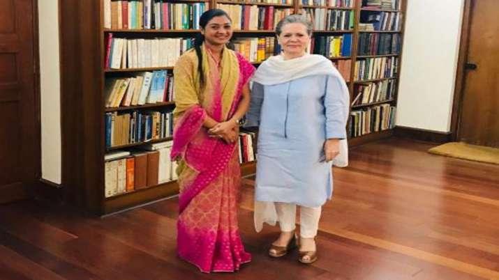 Alka Lamba meets Congress President Sonia Gandhi- India TV