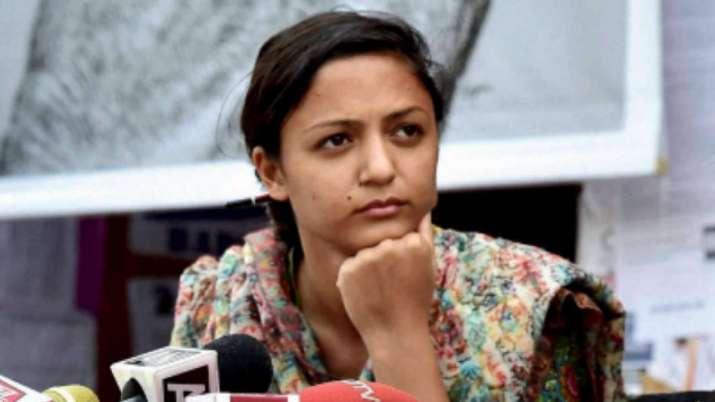 शेहला राशिद को देशद्रोह मामले में मिली गिरफ्तारी से राहत- India TV