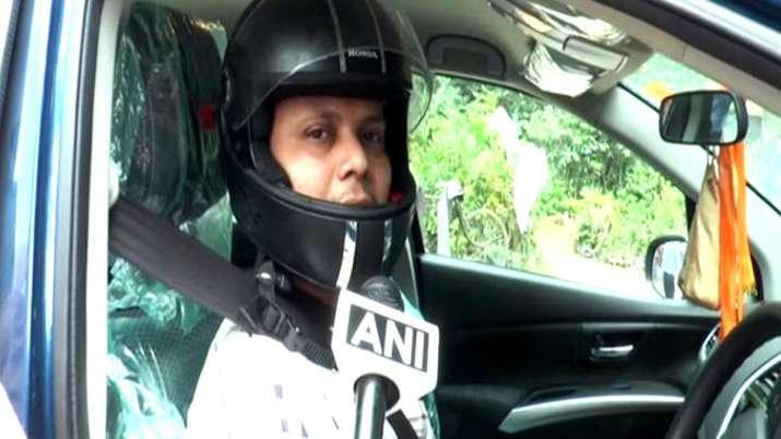 Uttar Pradesh aligarh man gest e challan for not wearing helmet while driving car- India TV Hindi