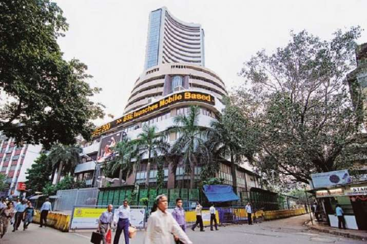 Sensex jumps over 250 pts ahead of RBI policy outcome - India TV Paisa