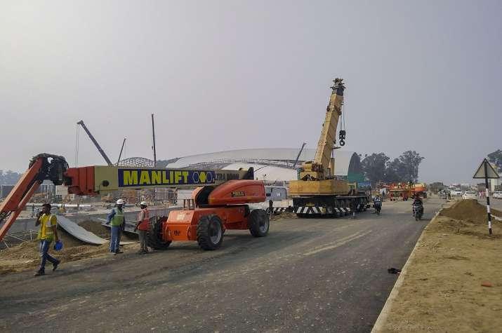 Relief for contractors- India TV Paisa