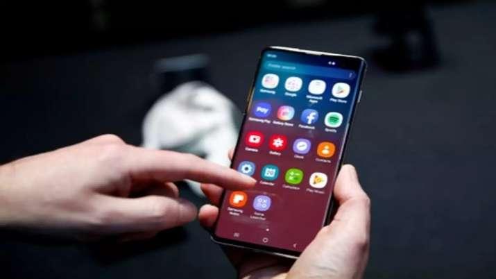 Samsung Galaxy S10 - India TV Paisa