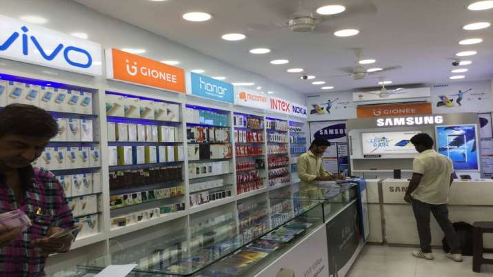 India smartphone market ships record 46.6 mn units in Q3 2019- India TV Paisa