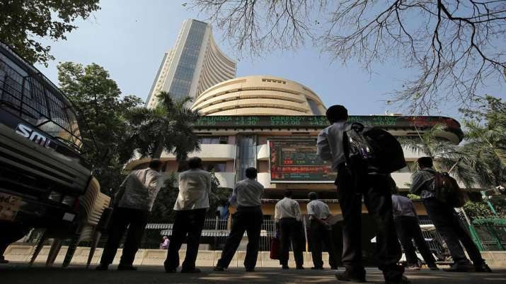 Sensex ends 72 pts lower; Yes Bank drops 4 pc- India TV Paisa