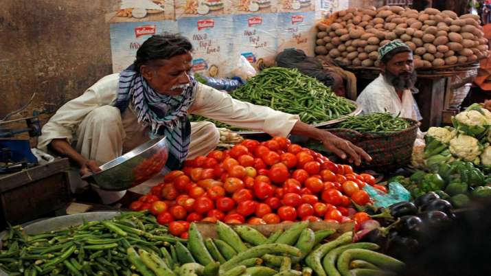 Pak mulling buying tomatoes from Iran as price skyrockets- India TV Paisa