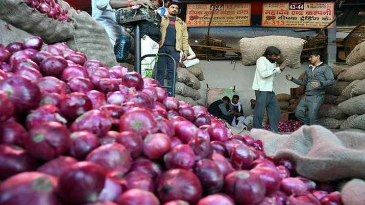 after strictness of gov onion retail price in Kozhikode is Rs 150 per kg- India TV Paisa