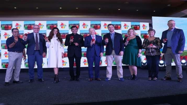 Disha Patni, Sanjeev Kapoor selected as brand ambassador...- India TV Paisa