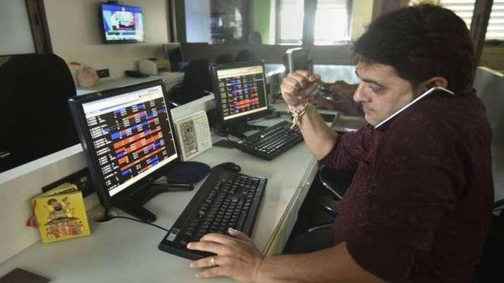 Sensex, Nifty begin 2020 on positive note as financial, IT stocks advance- India TV Paisa