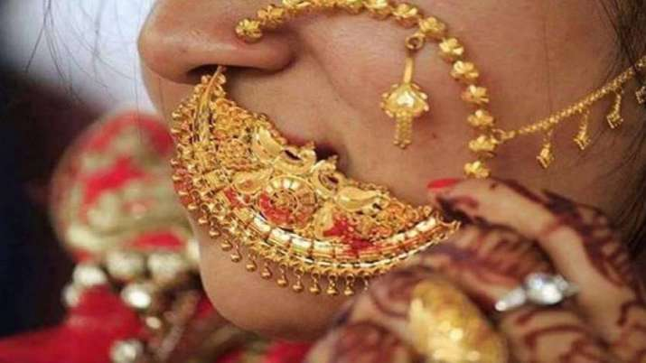 Gold Rate Today: Gold slides by Rs 80, silver falls Rs 200- India TV Paisa