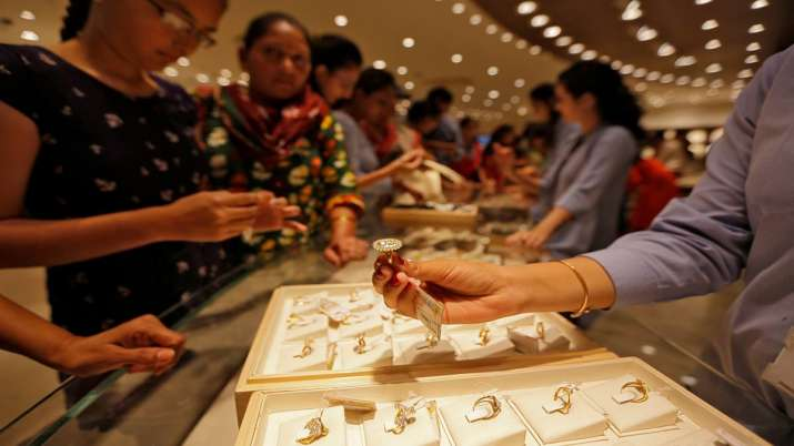 Jewellers to sell only 14, 18, 22 carat hallmarked gold jewellery from Jan 2021- India TV Paisa