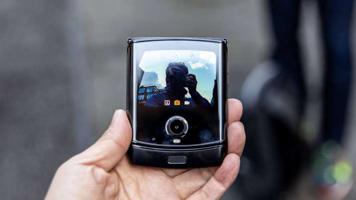 Motorola's foldable Razr to launch on Feb 6- India TV Paisa