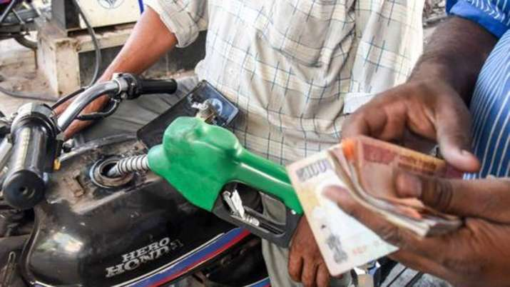 Relief on first day of new year, no increase in petrol and diesel prices- India TV Paisa
