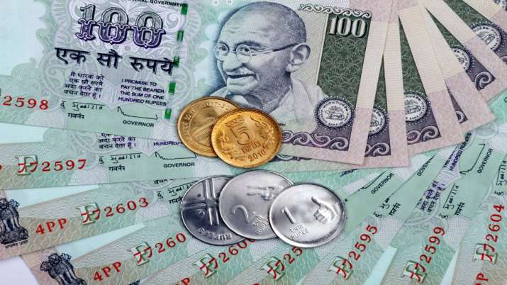 Rupee rises for 5th day, firms up 8 paise to 70.86 against USD- India TV Paisa