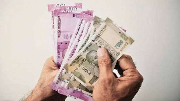 कट सकती है आपकी सैलरी! TDS को लेकर हुआ बड़ा बदलाव- India TV Paisa