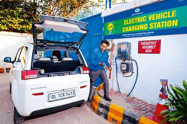 EESL signs agreement with BHEL to set up charging...- India TV Paisa