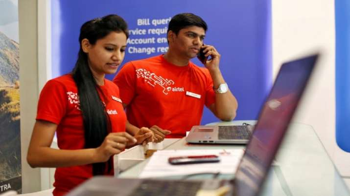 Six of top-10 cos lose Rs 29,487 crore in m-cap; Bharti Airtel top laggard - India TV Paisa