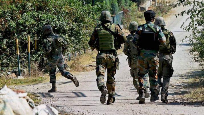सुरक्षाबलों ने मुठभेड़ के दौरान लश्कर-ए-तैयब्बा के दो आतंकिवादियों को मार गिराया।- India TV