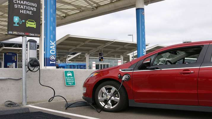 EESL ties up with BSNL to set up 1,000 EV charging stations- India TV Paisa