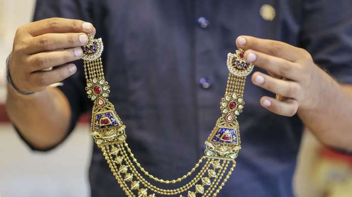Gems, jewellery exports dip 8.45 pc to Rs 21,146.59 cr in Jan- India TV Paisa