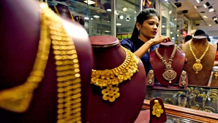 Gold futures, global cues, Gold, Gold price, Gold rate- India TV Paisa