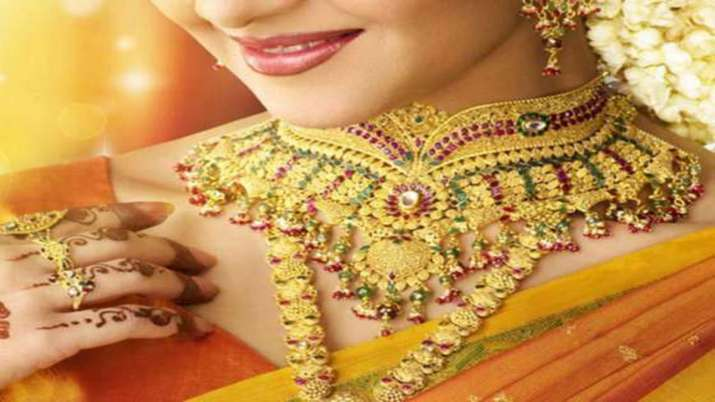 Gold prices drop Rs 396, silver falls Rs 179- India TV Paisa