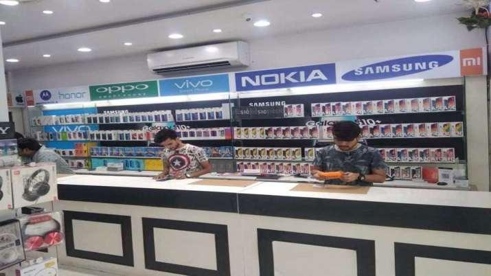 Smartphone sales- India TV Paisa