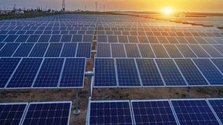 Govt removes 20 pc customs duty on solar cells, panels- India TV Paisa