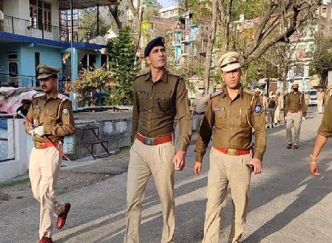 Kabaddi star Ajay Thakur was seen doing duty in Himachal Pradesh during the coronovirus lockdown- India TV