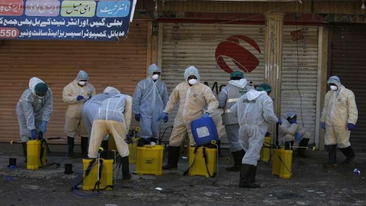 Photo of पाकिस्तान में कोरोना वायरस से एक दिन में 7 लोगों की मौत, 1,775 पहुंची संक्रमित मरीजों की संख्या