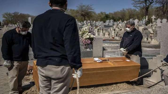 Photo of Coronavirus: स्पेन में पिछले 24 घंटे में 849 लोगों की मौत