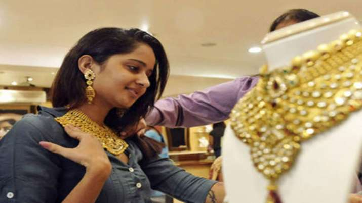 Gold prices zoom Rs 1,155, silver jumps Rs 1,198- India TV Paisa