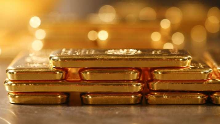 Gold prices fall Rs 516 at Rs 44,517 per 10 gm as rupee appreciates- India TV Paisa