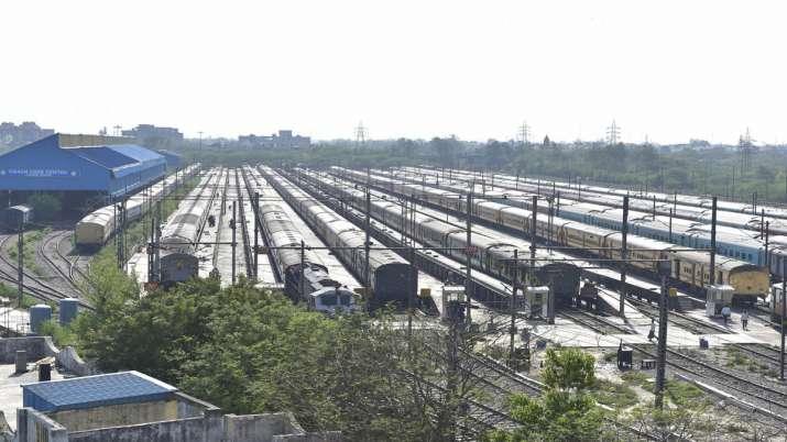 Indian Railways cancelled 85 trains as precaution against coronavirus- India TV Paisa