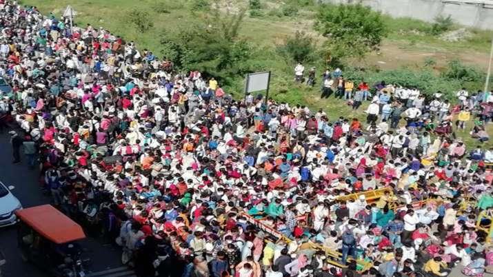 पलायन करने वाले मजदूरों को लेकर राहुल का हमला, कहा-इस भयावह हालत की ज़िम्मेदार सरकार
