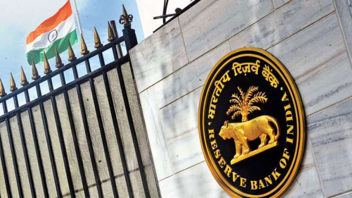 RBI to offer USD 2 bn worth American dollars on Monday to sooth forex market- India TV Paisa